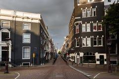 阿姆斯特丹离开的街道  库存照片