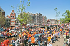 AdMSTERDAM - 4月30 : 庆祝queensday在201 4月30日, 免版税库存图片