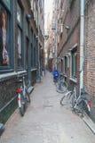 阿姆斯特丹/荷兰- 9/12/14典型的街道在阿姆斯特丹 图库摄影