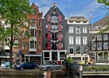 阿姆斯特丹-运河和典型的荷兰房子 免版税库存图片