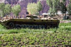 阿富汗在Bamyan市放弃了装甲车 库存图片