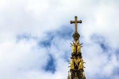 阿尔伯特纪念品在伦敦在肯辛顿庭院里位于了 免版税库存图片