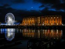 阿尔伯特船坞在晚上,利物浦 库存图片