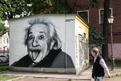阿尔伯特・爱因斯坦街道画画象  库存图片