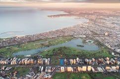阿尔伯特Park湖和墨尔本港从气球 库存图片
