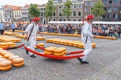 阿尔克马尔干酪市场 免版税库存图片