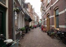 阿尔克马尔,北荷兰省,荷兰,典型的运河房子历史的老镇  图库摄影