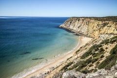 阿尔加威海岸线,葡萄牙 免版税库存照片
