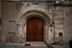 阿尔勒法国发音Occitan :在古典和Mistralian准则的Arle;在古老拉丁的Arelate 图库摄影