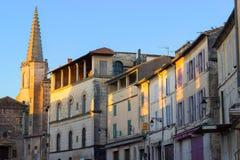 阿尔勒,普罗旺斯,法国,早晨太阳的老房子 库存图片