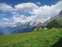阿尔卑斯和云彩 免版税库存照片