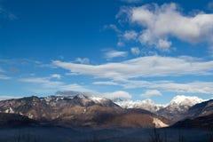 阿尔卑斯和天空 库存照片