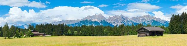 阿尔卑斯夏天全景(奥地利)。 图库摄影