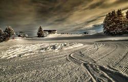 阿尔卑斯极其保护手段滑雪线索 免版税库存照片