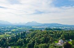 阿尔卑斯森林横向山景 库存图片