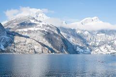 阿尔卑斯瑞士 到圣诞节的旅途 免版税图库摄影