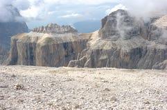 阿尔卑斯白云岩pordoi 免版税库存图片