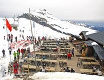 阿尔卑斯餐馆滑雪 免版税库存图片