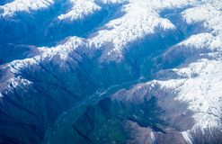 阿尔卑斯鸟瞰图在夏天 免版税库存图片