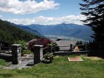 阿尔卑斯,在洛枷诺瑞士附近 图库摄影