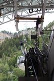阿尔卑斯,法国意大利边界, 2017年7月29日- Skyway缆车 免版税库存图片