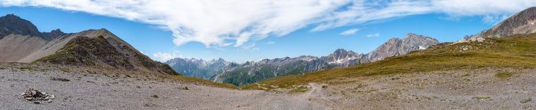 阿尔卑斯,法国(Col de Seigne) -全景 库存图片