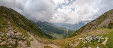 阿尔卑斯,法国(Col de Tricot) -全景 图库摄影