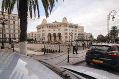 阿尔及尔,阿尔及利亚- 2016年9月24日:在1910年La重创的Poste阿尔及尔是在阿尔及尔修建的新摩尔人样式Arabisance大厦  免版税库存照片