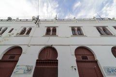 阿尔及尔,阿尔及利亚- 2016年2月6日:老市的一个古老部分阿尔及利亚,称casbahkasaba 老城市是122米400 ft abov 免版税图库摄影