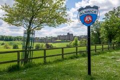 阿尔尼克城堡,英国 免版税库存照片