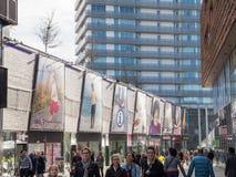 阿尔梅勒,荷兰的现代市中心 免版税图库摄影