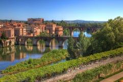 阿尔比-老桥梁看法  免版税库存图片