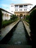 阿尔汉布拉庭院 免版税库存图片