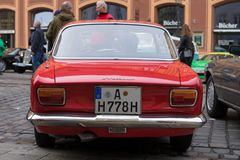 阿尔法・罗密欧GT 1300小辈老朋友汽车 库存照片