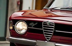 阿尔法・罗密欧阿尔法・罗密欧GT 1300小辈scalino 免版税库存图片