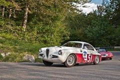 阿尔法・罗密欧1900个SSZ Zagato 1955年在Mille Miglia 2016年 免版税库存照片