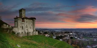 阿尔泰尼亚意大利城堡  库存照片