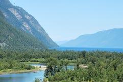 阿尔泰山脉, Teletskoe湖 库存照片