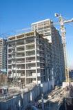 阿尔玛蒂,哈萨克斯坦 18/12/2014 建筑多层, mu 库存照片