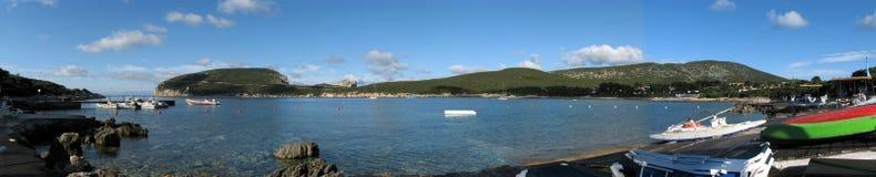 阿尔盖罗& x28; Italy& x29; 品柱卡奇亚海湾-撒丁岛 库存照片