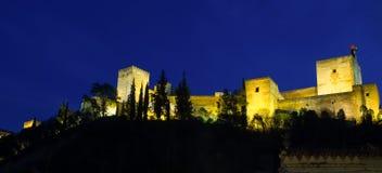 阿尔罕布拉宫在晚上之前 免版税图库摄影