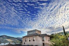阿尔罕布拉宫城堡早晨天空格拉纳达都市风景安大路西亚西班牙 免版税库存图片