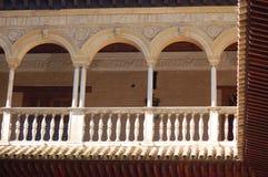 阿尔罕布拉宫宫殿,格拉纳达,西班牙:2006年4月8日:阿尔罕布拉宫宫殿建筑细节  库存照片