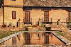 阿尔罕布拉宫庭院水池反射摘要格拉纳达安大路西亚西班牙 库存照片