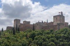 阿尔罕布拉宫的美丽的摩尔人堡垒在格拉纳达,安大路西亚 库存照片