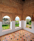 阿尔罕布拉宫窗口视图 图库摄影