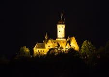 阿尔腾堡城堡在琥珀在晚上 图库摄影