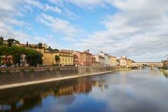 阿尔诺河和Ponte Vecchio桥梁在佛罗伦萨 图库摄影