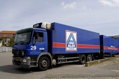 阿尔迪交付卡车 免版税库存图片
