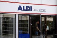 阿尔迪德国食物链开放在复活节 免版税库存图片